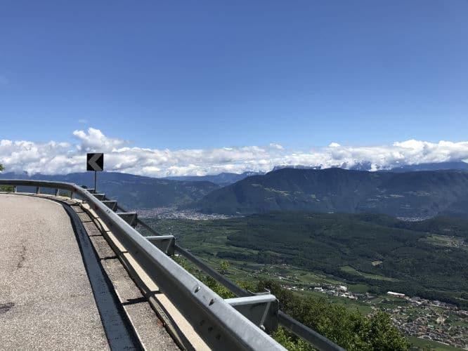 Mendelstraße Aussicht Dolomiten